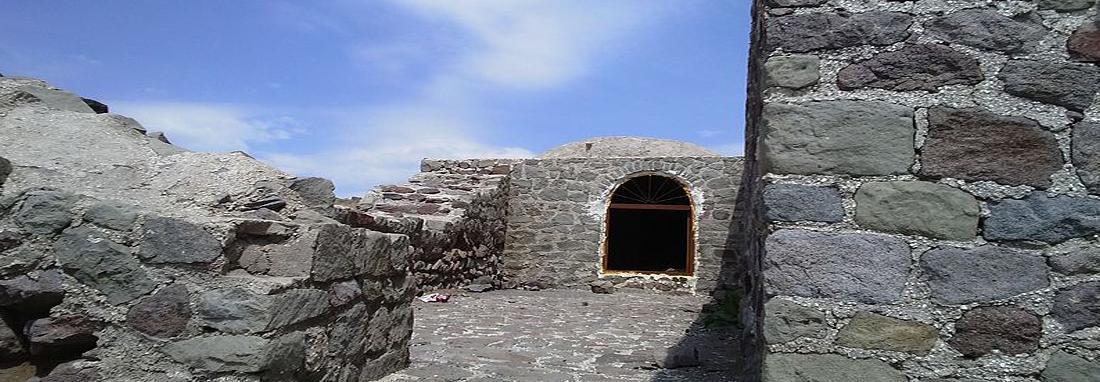 کاروانسرای پیچ بن الموت ؛ بنایی سنگی در ییلاق ، کاروانسرایی تاریخی در مسیری که الموت را تنکابن وصل می کرد
