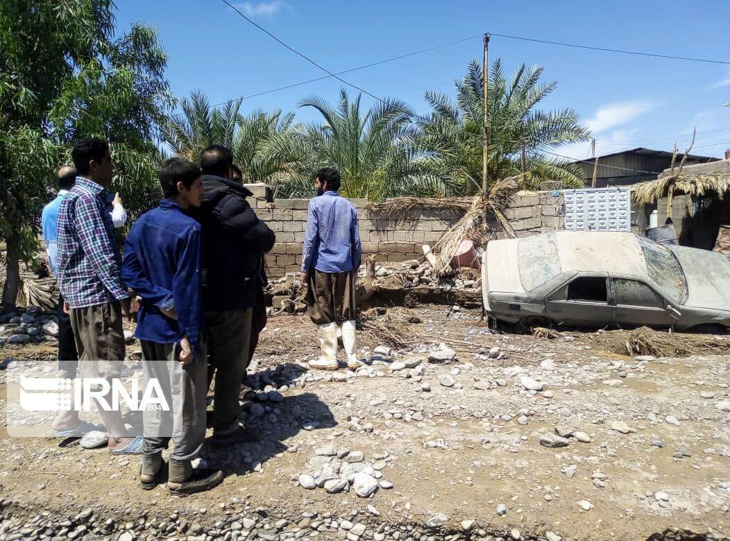 خبرنگاران برق روستاهای سیلزده شهداد به طور موقت وصل شد